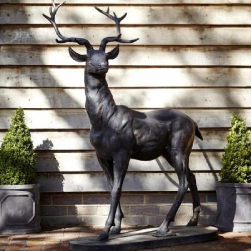 statues d 39 animaux en fonte d 39 acier. Black Bedroom Furniture Sets. Home Design Ideas